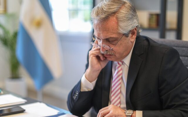 presidente argentina alberto fernandez isolamento tampone negativo covid