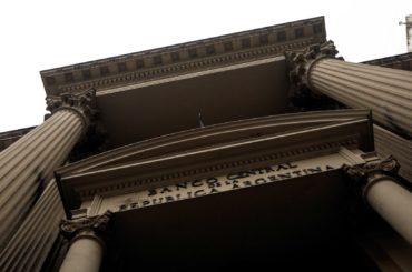 debito argentina ristrutturazione accordo governo creditori negoziati