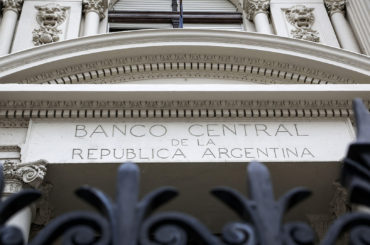 debito argentina scadenze 2020 posticipate default