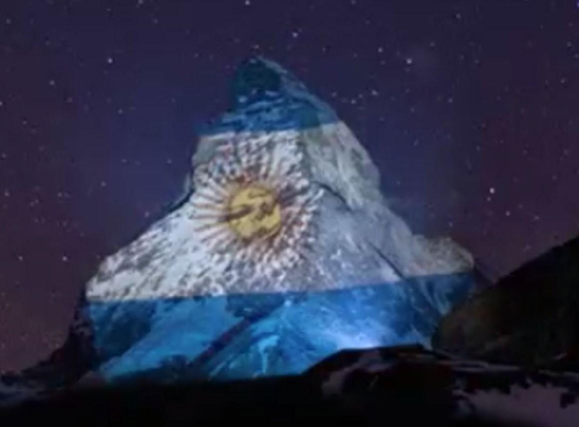 coronavirus bandiera argentina luce monte cervino