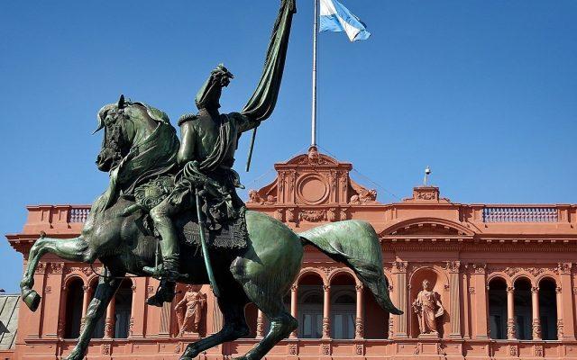 crisi governo argentina presidente fernandez dimissioni ministri