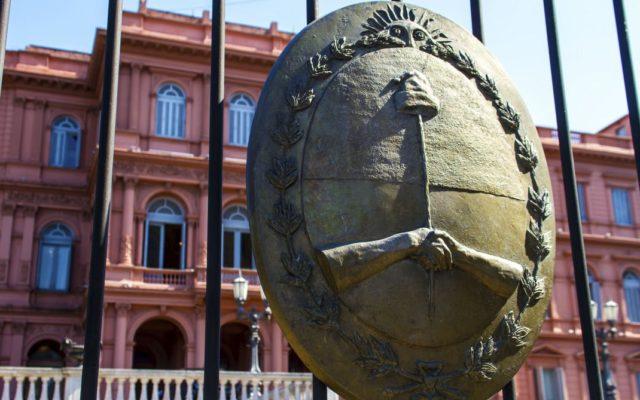 debito argentina negoziato governo fondi creditori nuova offerta
