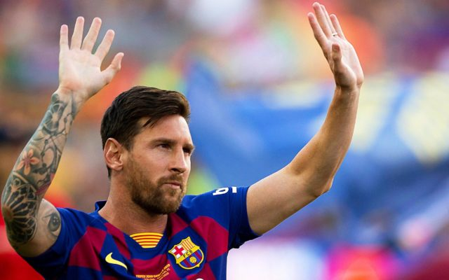 lionel messi resta barcellona decisione clausola contratto