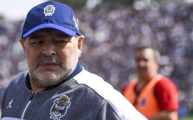 maradona rinnovo contratto gimnasia lascia