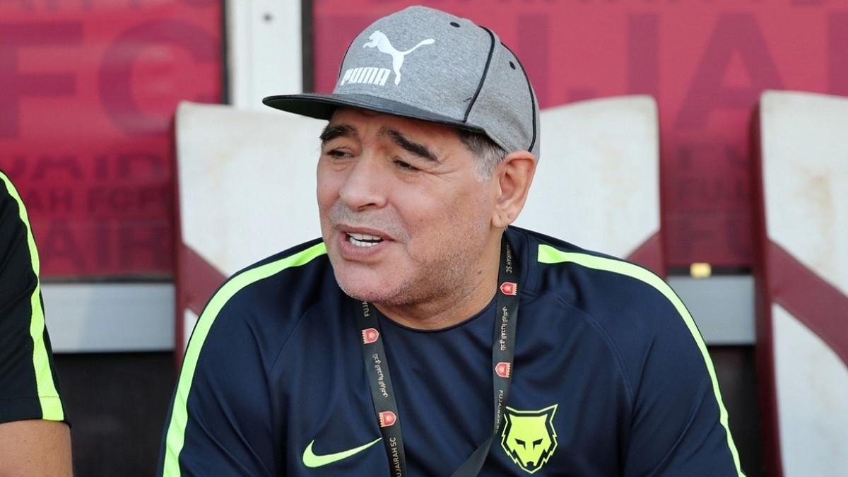 maradona salute interventi contratti allenatore