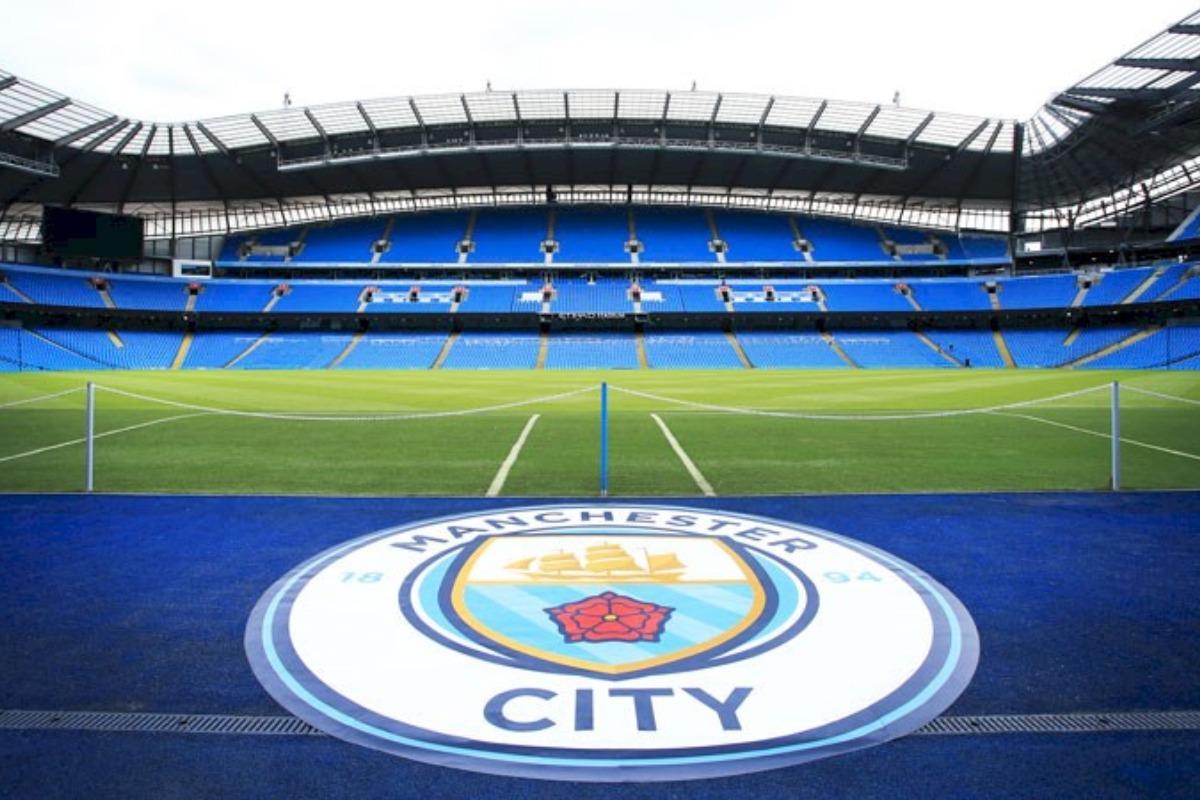 lionel messi offerta manchester city contratto 43 anni