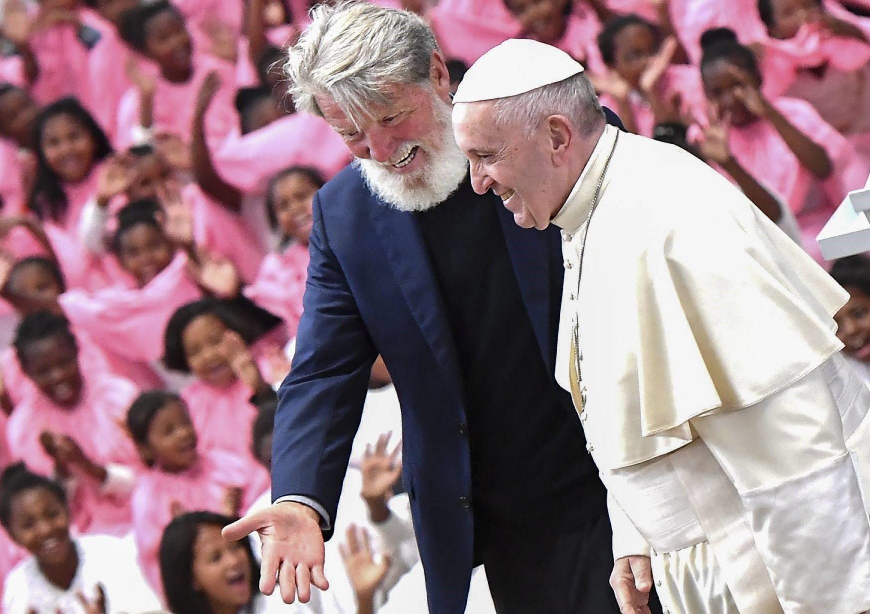 padre pedro opeka premio nobel pace madagascar akamasoa