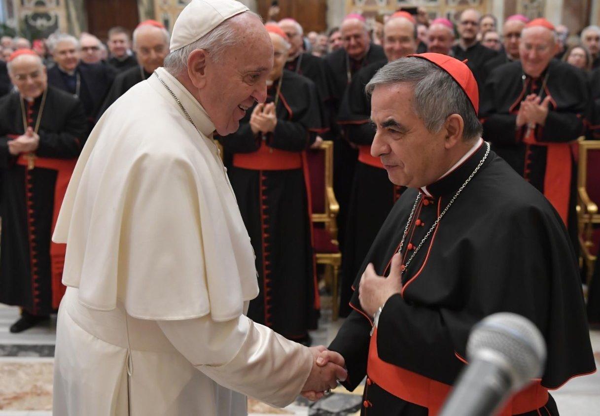 accuse papa francesco dimissioni mons angelo becciu