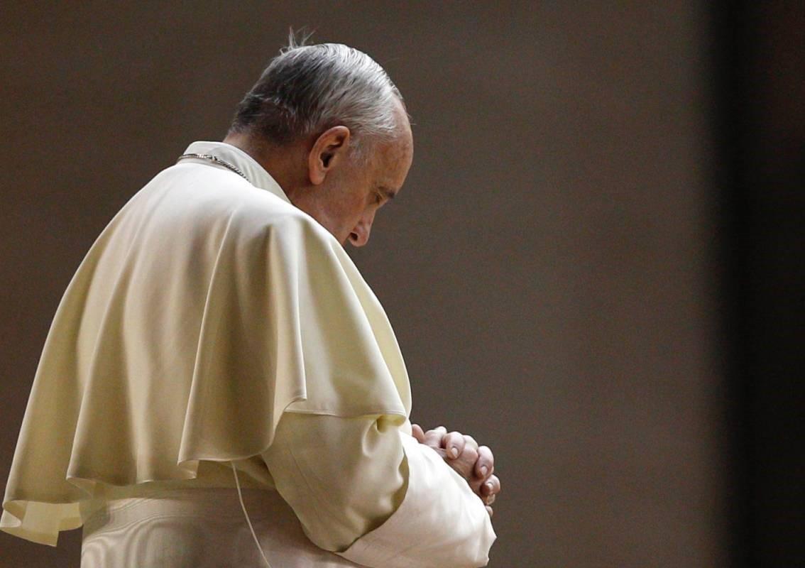 papa francesco corruzione vaticano sondaggio adnkronos
