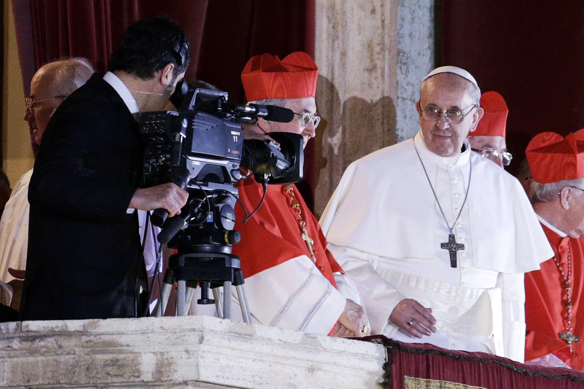 papa francesco compleanno età altezza famiglia