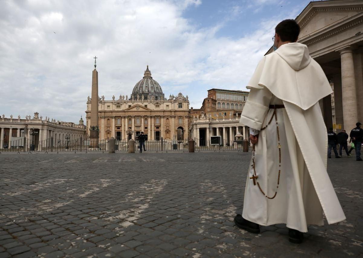 papa francesco motu proprio taglio stipendi santa sede cardinali